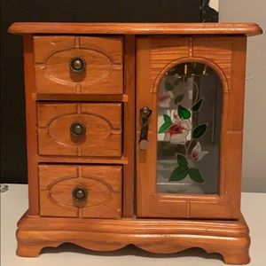 A little dresser for jewelry